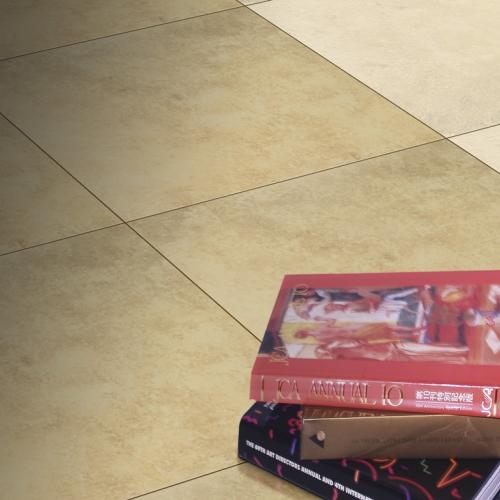 Ambiente piso 45201 Irish e 45204 Irish Brown com livro